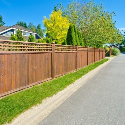How To Stain A Fence An Easy