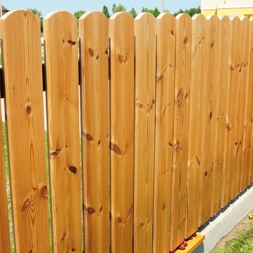 What Is The Quickest Way To Stain A Fence?